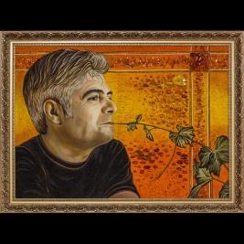 Портрет из янтаря по фотографии